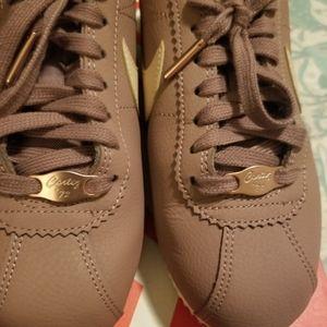 Nike Rose Gold Cortez